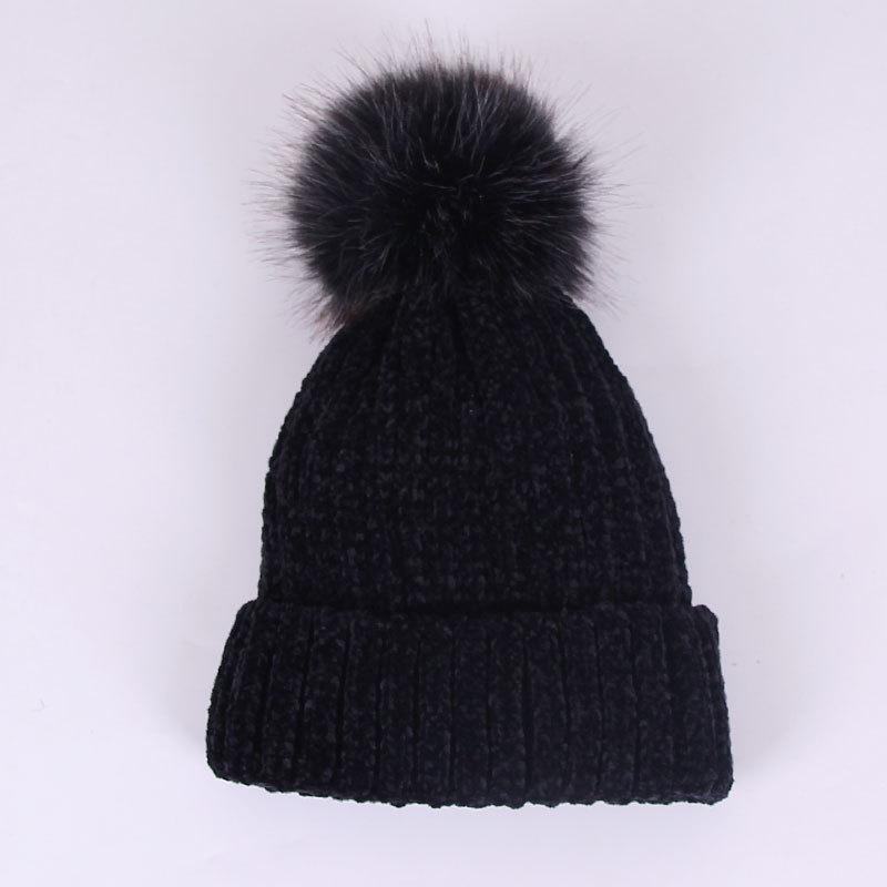 Зимняя вельветовая теплая шапка женская с помпоном опт