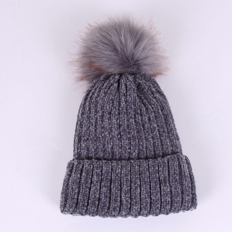 Женская теплая серая шапка с помпоном велюровая опт