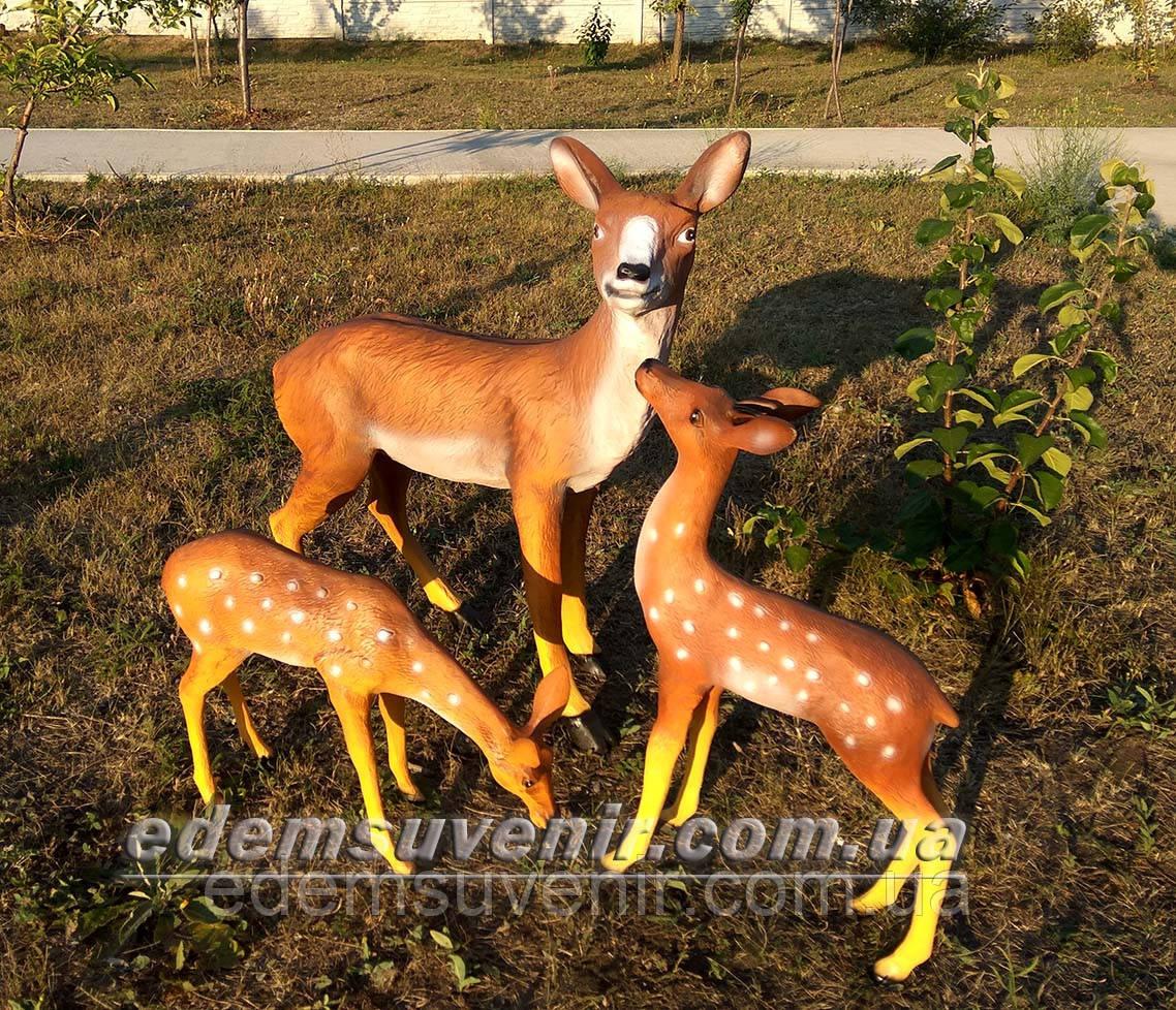 Садовая фигура Олениха стоячая, Косуля и Косуля пасущаяся