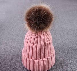 Зимняя женская шапка с помпоном розовая
