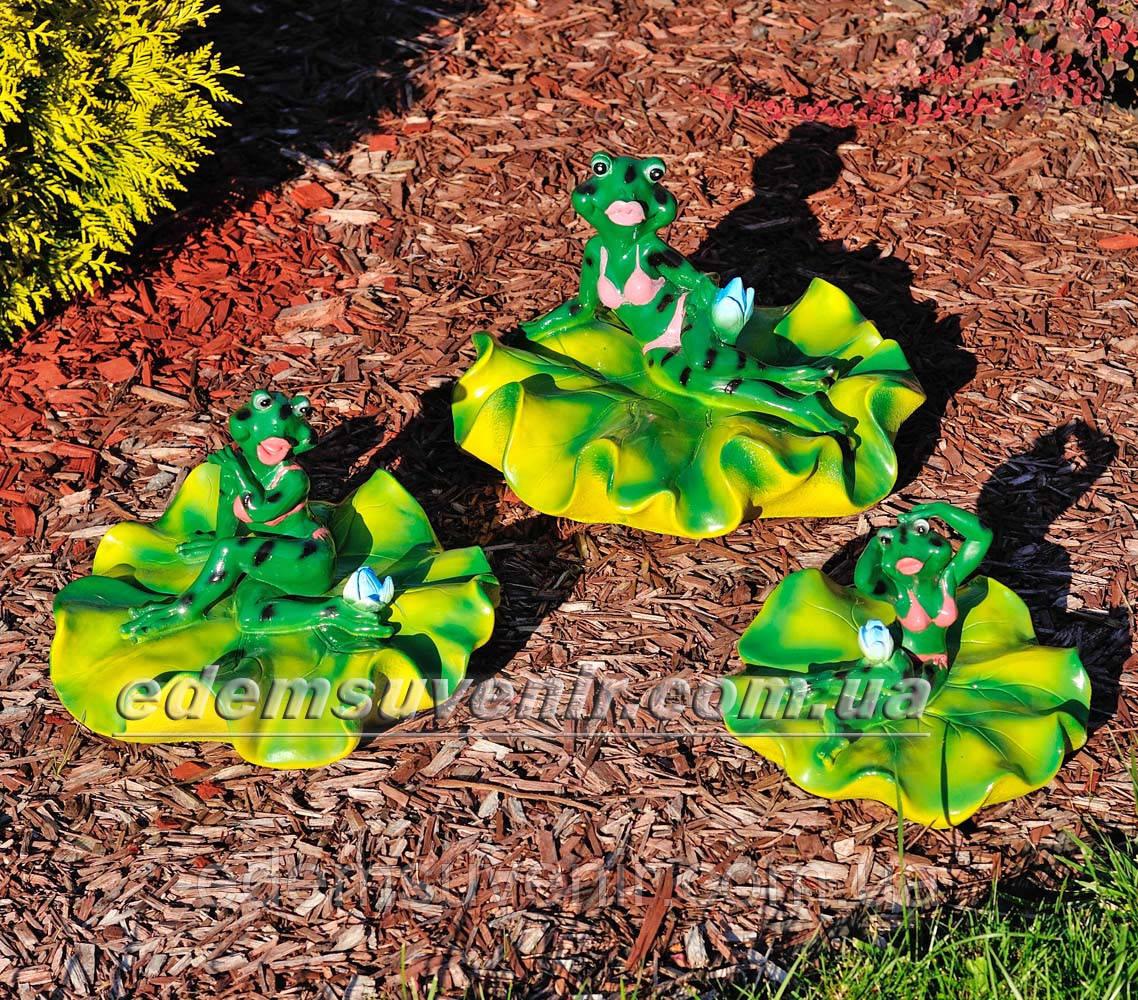 Садовая фигура Жабы на лилии