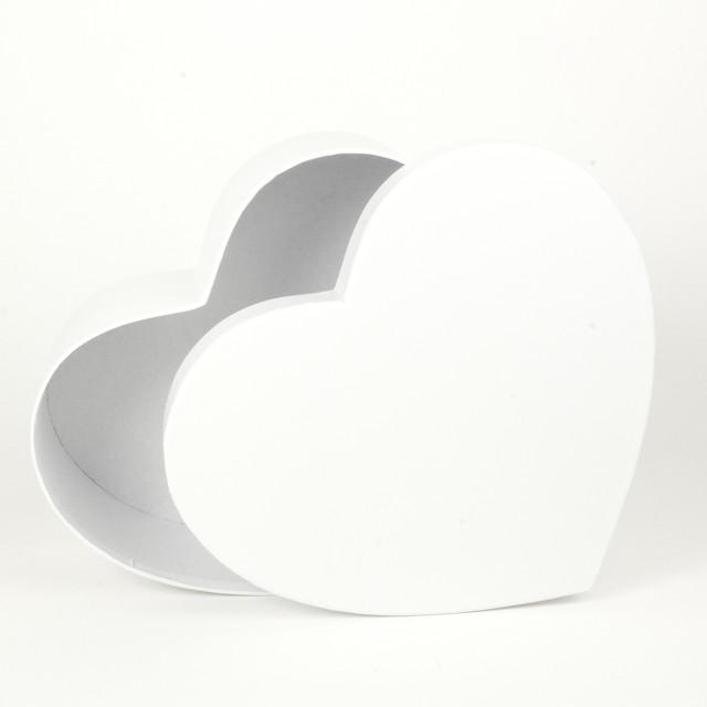 Подарочная коробка в форме сердца белая 22 х 20 х 8 см