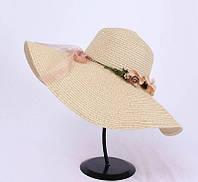 Женская широкополая летняя шляпа бежевая с веночком , фото 1