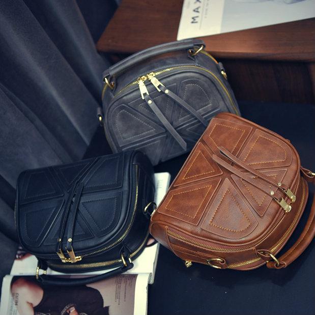 Стильная сумочка из кожзама