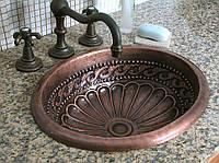 Кухонные мойки из меди – антибактериальные свойства и эстетическая привлекательность древнего металла придают оригинальность и стиль