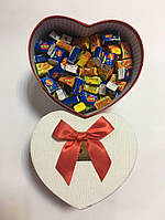 Жевательная жвачка Love is, жвачки лове ис ассорти в подарочной упаковке 70 шт красная коробочка