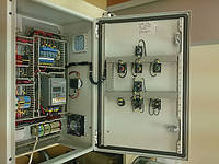Шкаф управления с вентиляцией