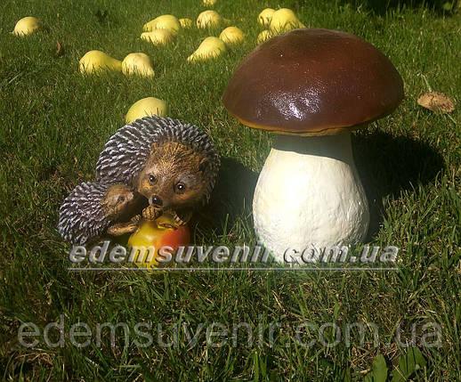 Садовая фигура Гриб польский и Ежи с яблоком, фото 2