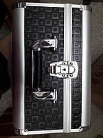 Чемодан мастера металлическая раздвижная (черный тесненный)