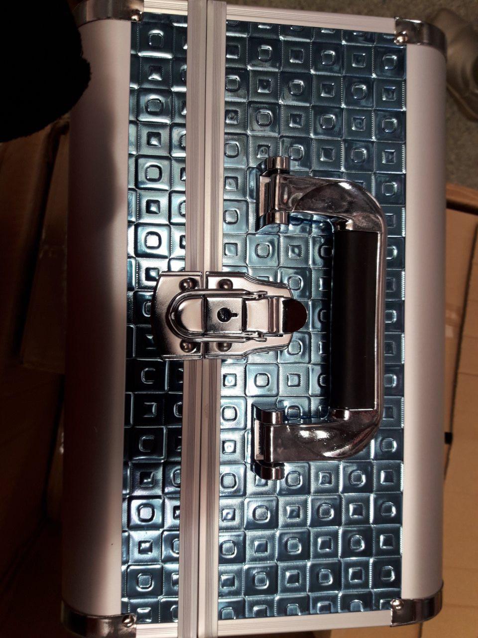 Чемодан мастера металлическая раздвижная (изумрудный тесненный)