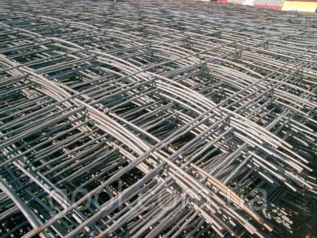 Сетка металлическая сварная с ячейкой 100х100 мм. размер листа 500х2000 мм.