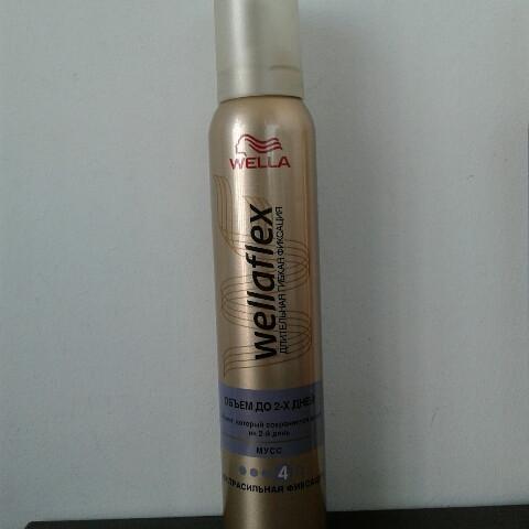 Мусс для волос Wellaflex 200 мл. ( Велла объем до 2-х дней № 4 )
