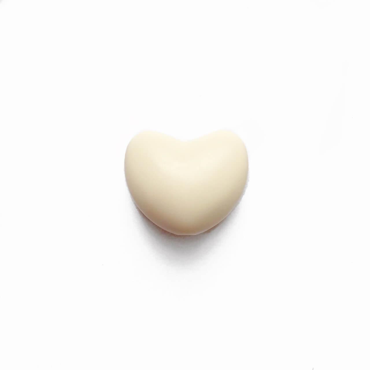 Сердце (бежевое)  силиконовая бусина