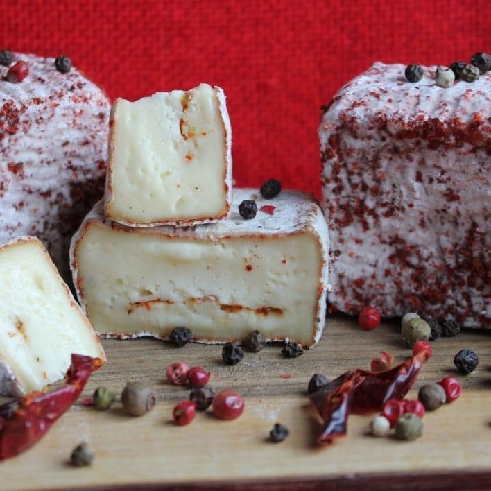 Сир з пліснявою скоринкою Саламандра 75г ф.г. StreKoza