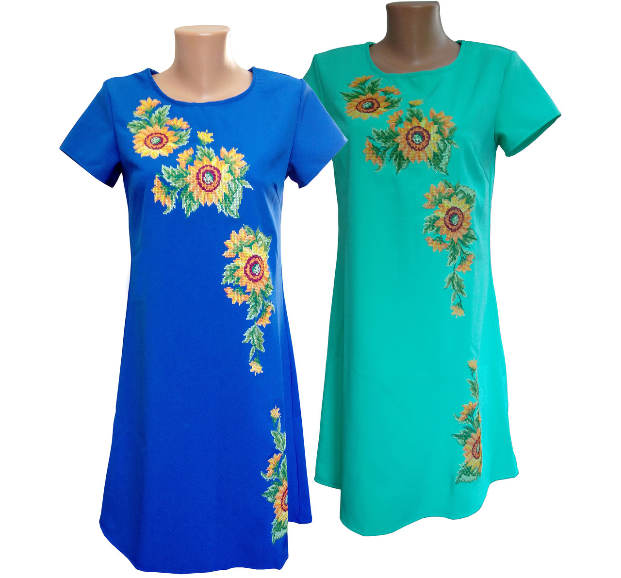 Яскраво синя вишита жіноча сукня із квітковим орнаментом та вільним кроєм «Соняшник»