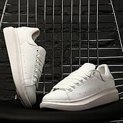 Женские кроссовки в стиле Alexander McQueen Leather Full White Белый