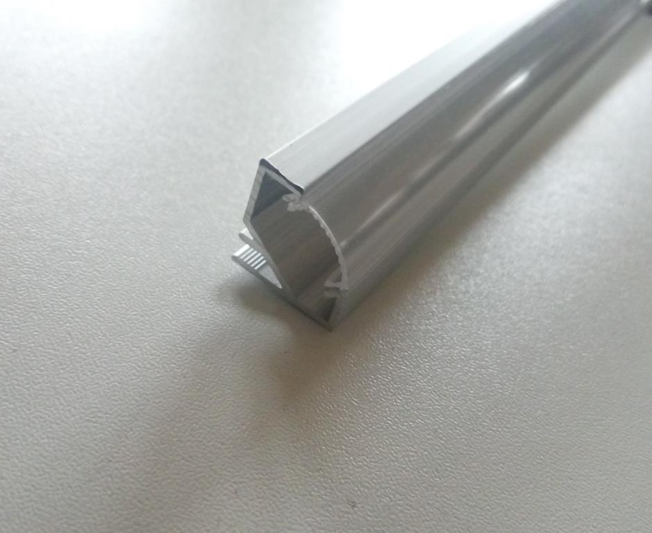 Кутовий алюмінієвий профіль з прозорим розсіювачем 2м для LED стрічки