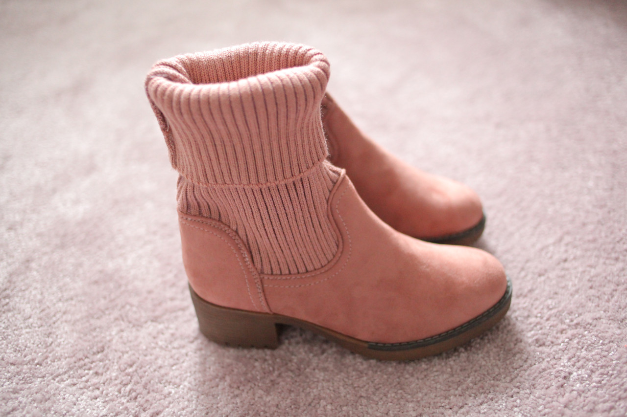 Женские ботинки замшевые с вязанным носком бежевые 38-41