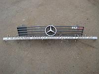 Решетка радиатора + ресничка метал. Мерседес Вито 638 б/у (Mercedes Vito)