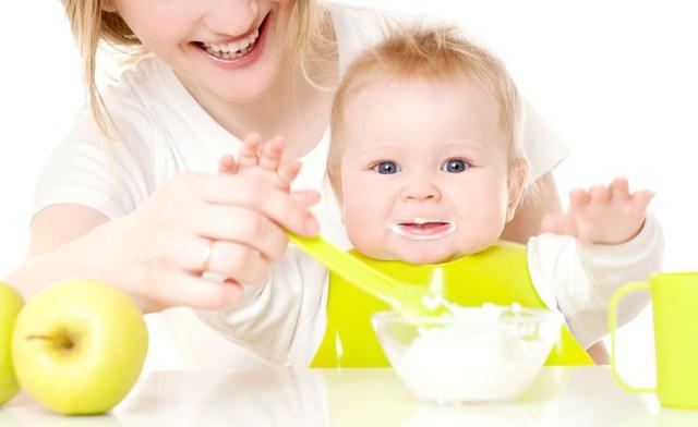 Детское питание и кормление
