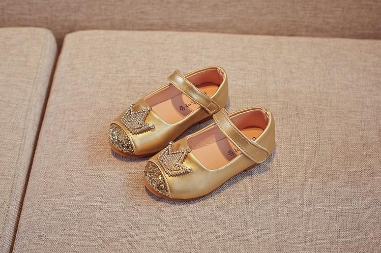 Туфли  нарядные детские  на девочку со стразами золотистые Корона