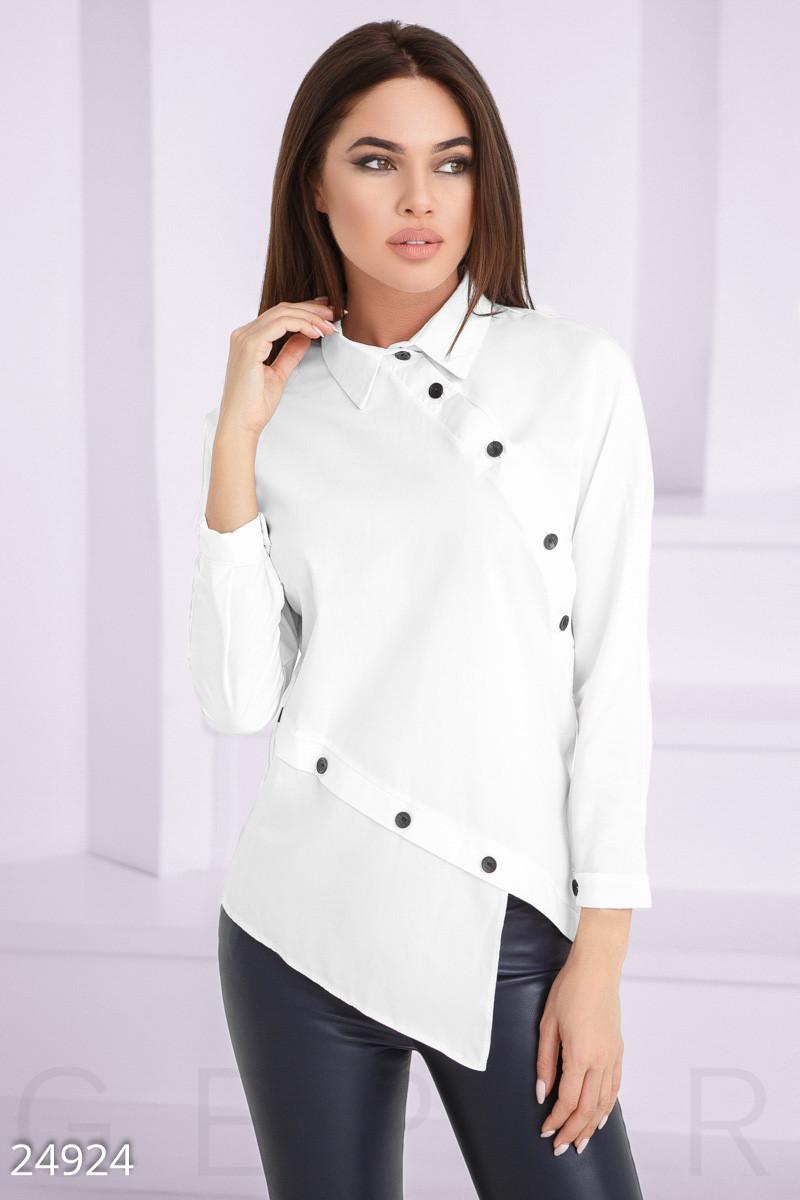 Оригинальная белая рубашка с асимметрией
