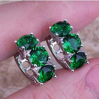 Cерьги в серебре с зеленым изумрудом