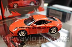 Модель автомобіля Porsche 911 (992) Carrera 4S (2019), Lava Orange, Scale 1:43