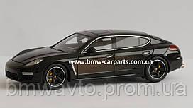 Модель автомобиля Porsche Panamera Exclusive Series, Scale 1:43, Chestnut Brown Metallic