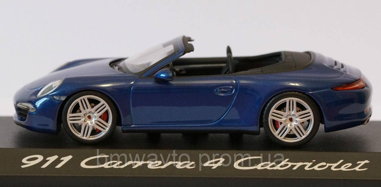 Модель автомобиля Porsche 911 Carrera 4S Cabriolet