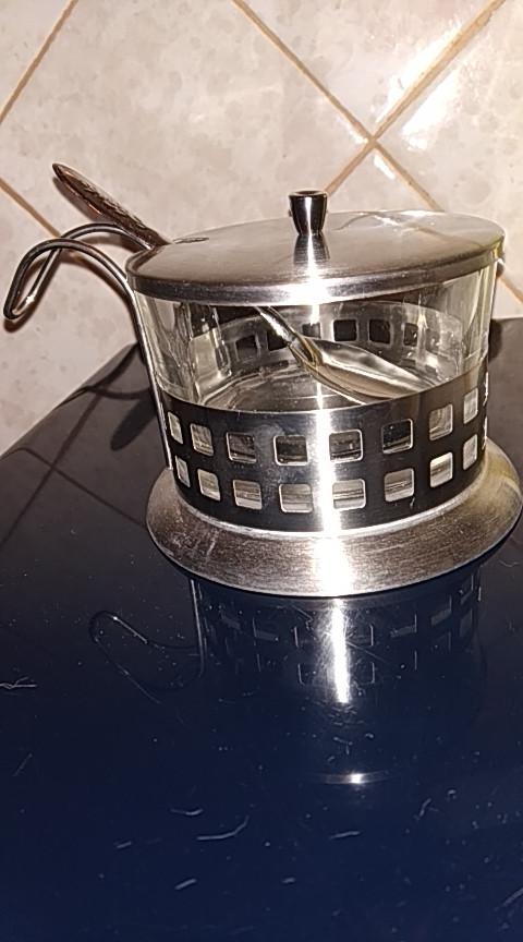 Сахарница стеклянная в металлическом корпусе с ложкой