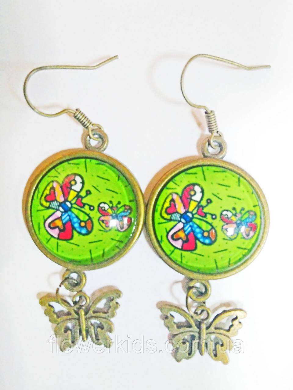 Серёжки ручной работы зелёные с яркими бабочками