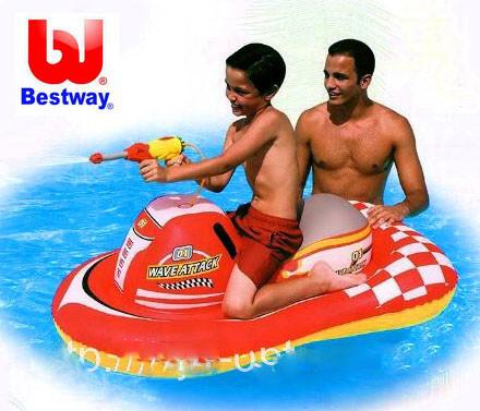 Надувная игрушка мотоцикл с водным пистолетом