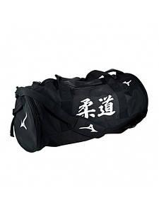 Сумка округлая MuityWays Mizuno. Цвет черный. Белый логотип Judo. Размер 65 * 30 * 30 см
