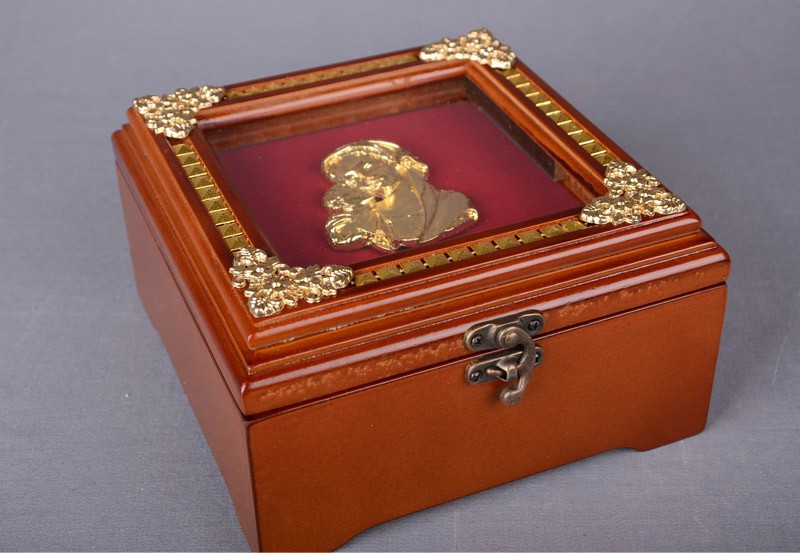 Шкатулка для украшений Lefard 18Х18Х10 см 18-930