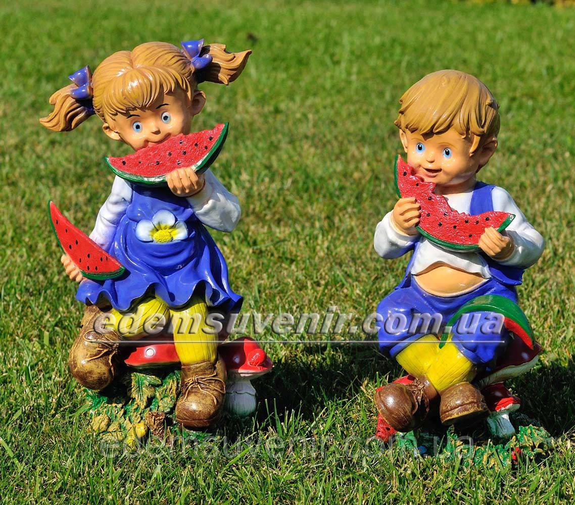 Садовая фигура Мальчик с арбузом и Девочка с арбузом