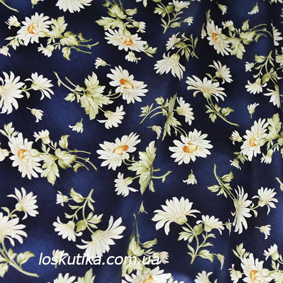 44014 Ромашка (синий фон). Ткань с изображением ромашек. Цветочный принт. Квилтинговые ткани США.