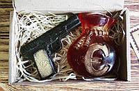 """Подарочный бокс """"Оригинальное мыло ручной работы: пистолет, мешок с деньгами""""для мужчин"""