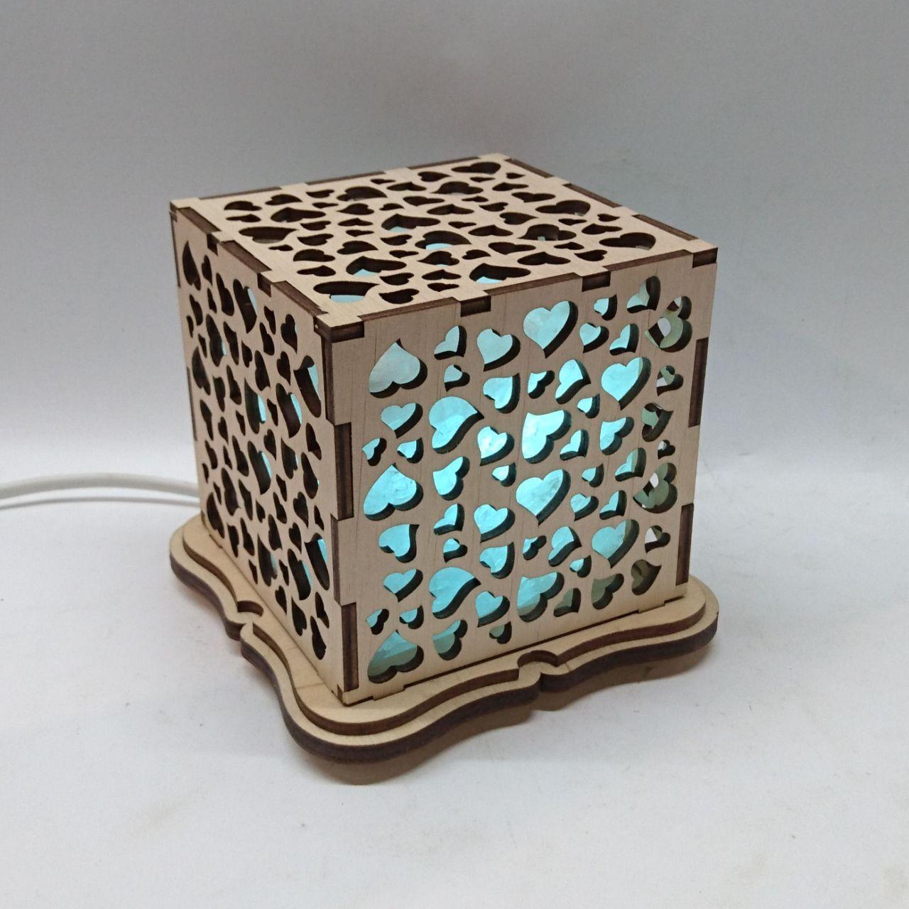 """Соляной светильник деревянный куб """"Сердца"""""""