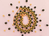 Колье, ожерелье Зелёное из бисера и бусин ручной работы