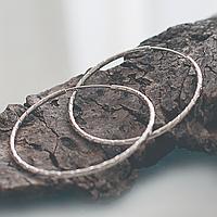 """Серьги-кольца """"Рок-н-ролл"""", круглые, с высечками, диаметр 5 см, серебристый металл, ювелирный сплав"""