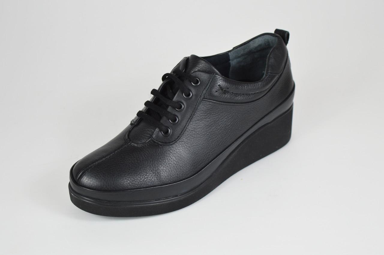 Туфли женские черные на танкетке Ripka 019