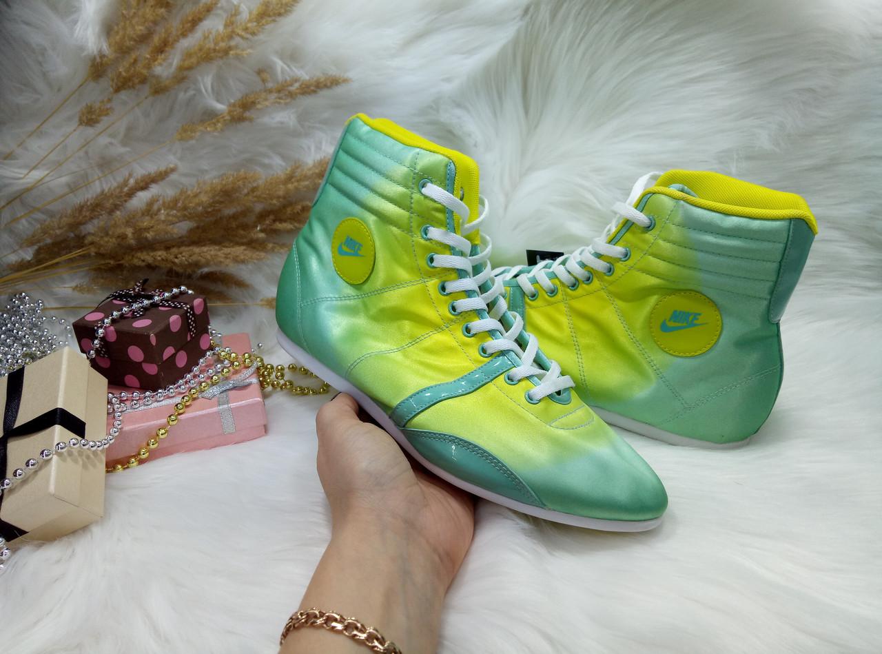 546cb4e7 Кроссовки Nike Hijack Mid (35.5 размер) бу / сток - Интернет-магазин обуви