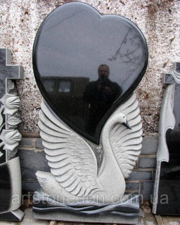 Памятник из гранита Лебедь