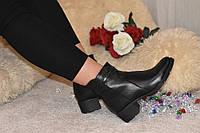 Ботинки женские кожаные на среднем каблуке