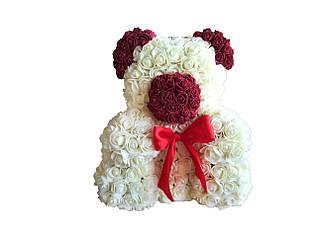Медведь из цветов айвори-винный