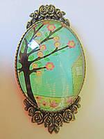 Брошь ручной работы стеклянная овальная цветущее дерево