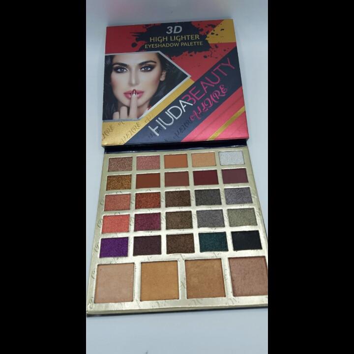 Палитра теней HUDABEAUTY Allure 3Dhigh lighter eyeshadow palette 29 цветов