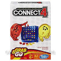 Настольная игра Собери 4 Connect 4 Grab and Go Game дорожная версия Hasbro