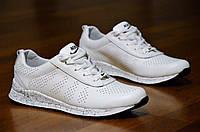 Женские кроссовки кожаные белые с ортопедической стелькой легкие и удобные (Код: 309а)